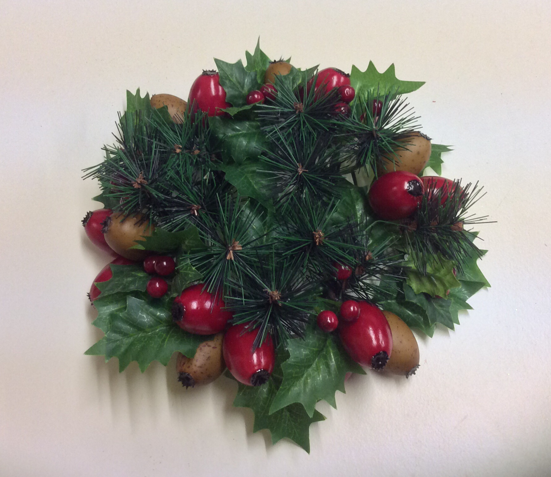 New 3 Christmas Candle Ring Decoration Holly amp Mixed